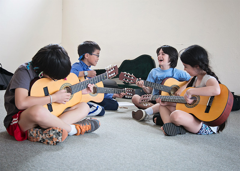 guitar-children-fun