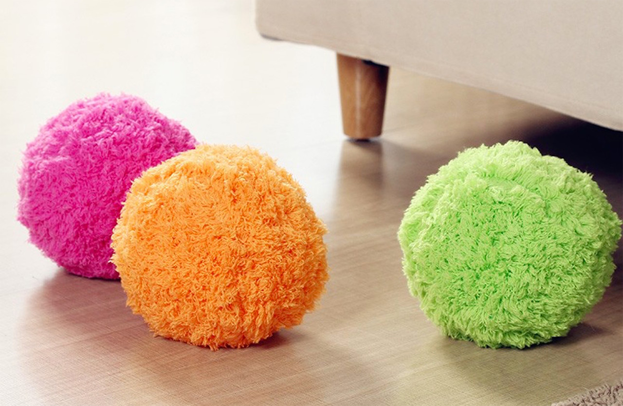The-Mocoro-Robot-Cleaning-Ball