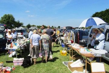 car-boot-sale-pic