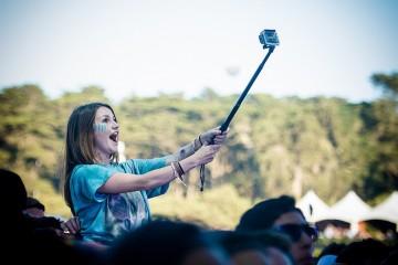 selfie-stick-bg