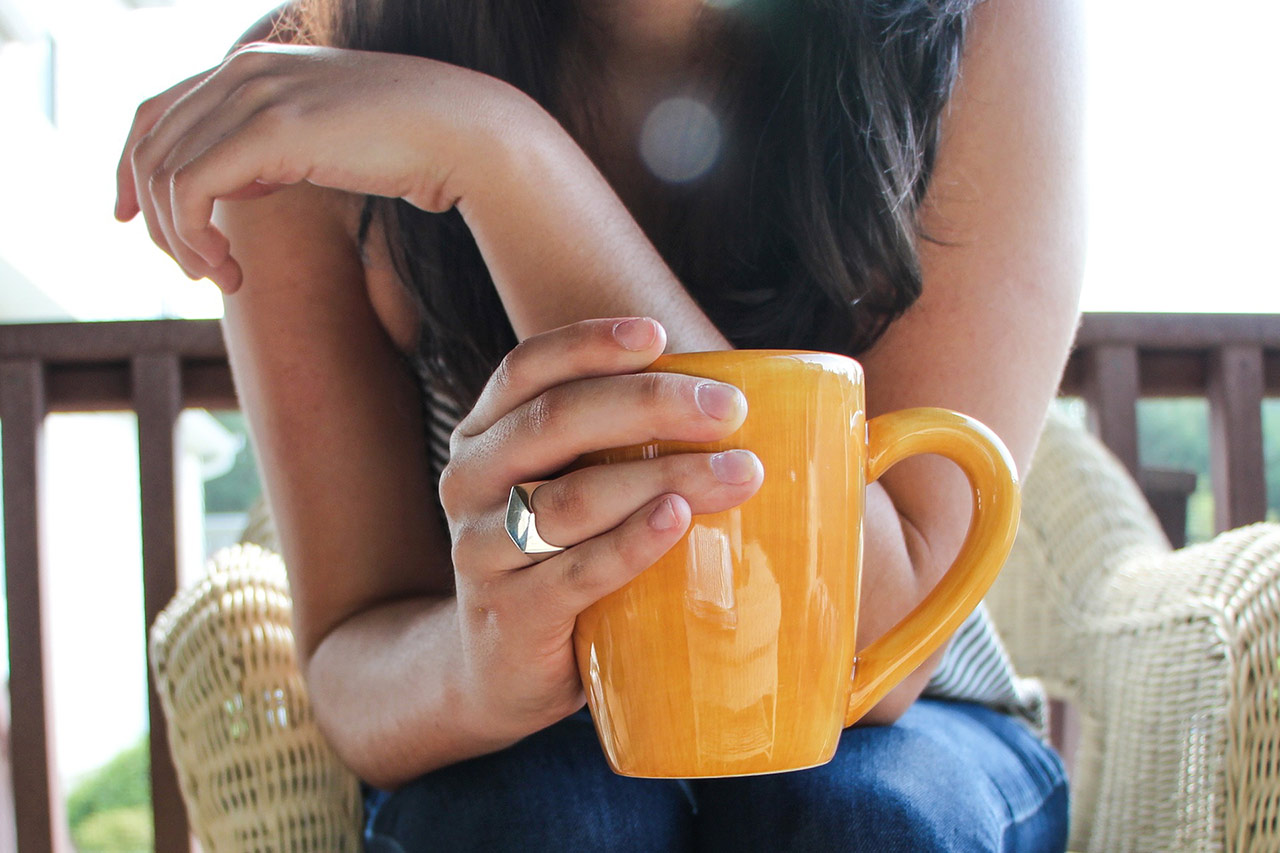 chat-drink-tea-councelling