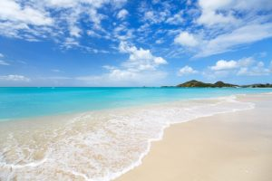 Antigua-beach-Leeward-yacht-charter
