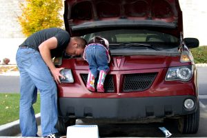 dad-daughter-mechanic