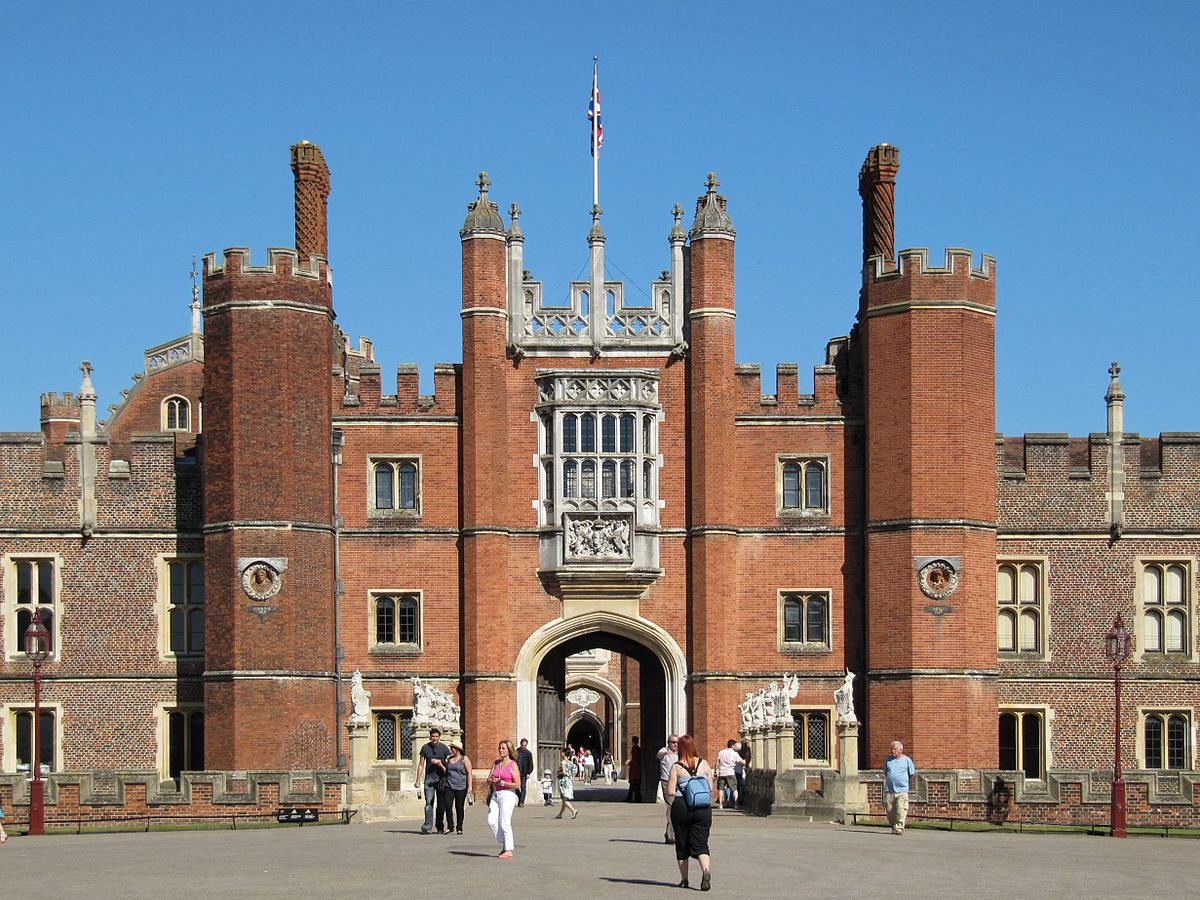 Hampton_Court_Palace