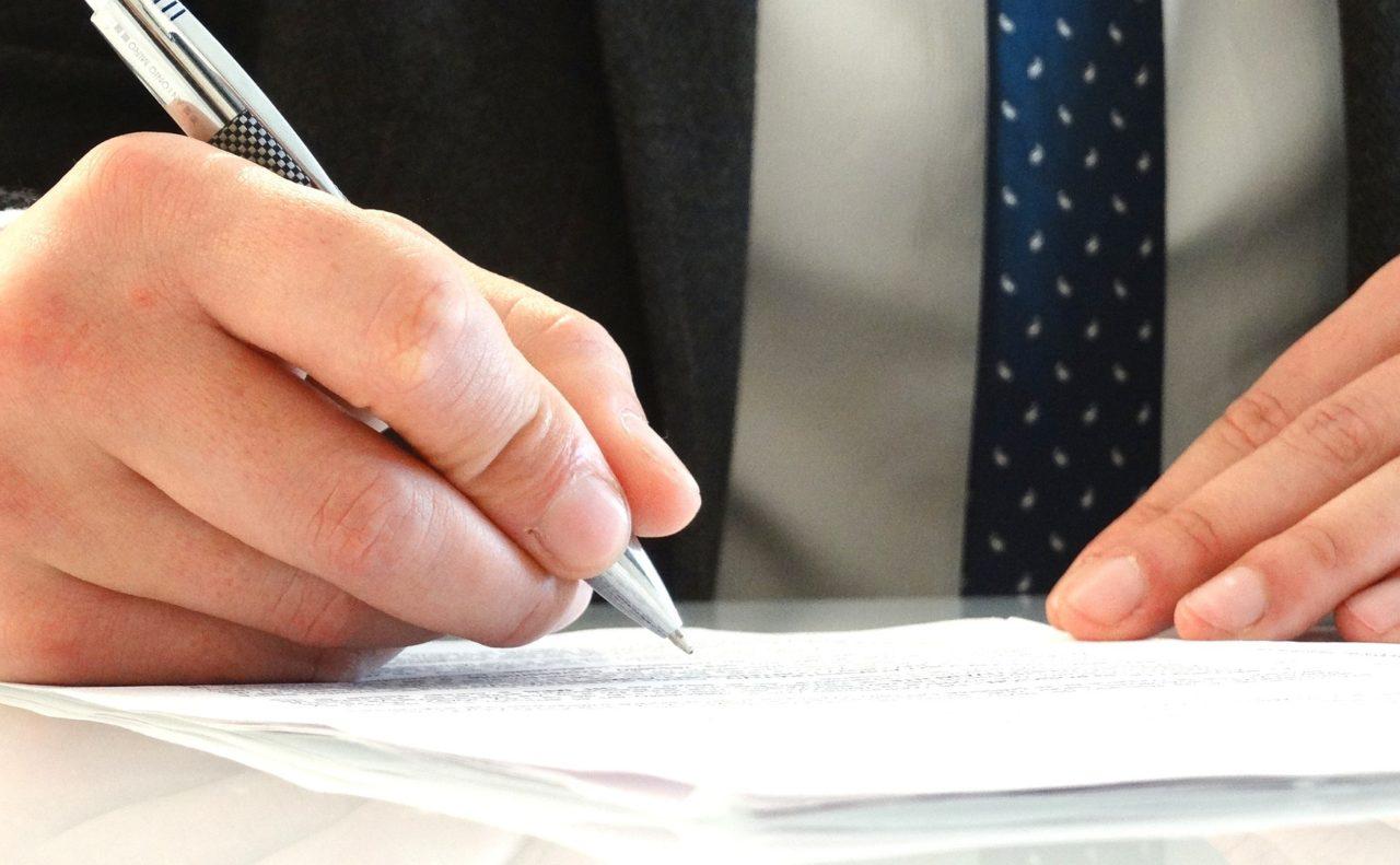 legal-pen-sign-paper